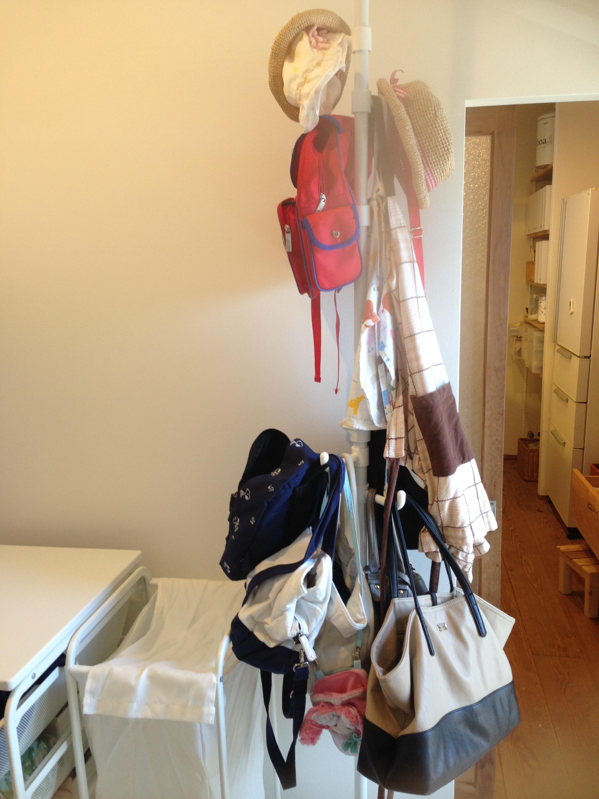 【バッグの収納】は「かける収納」がやっぱり楽!