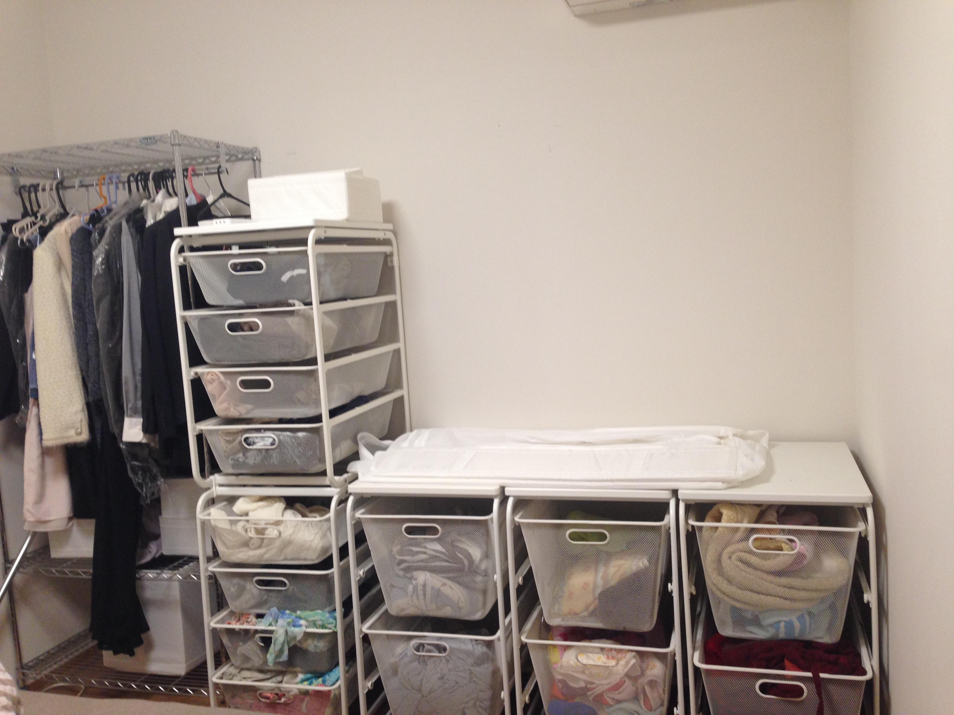 IKEA「ALGOT」シリーズを利用した寝室クローゼット収納。