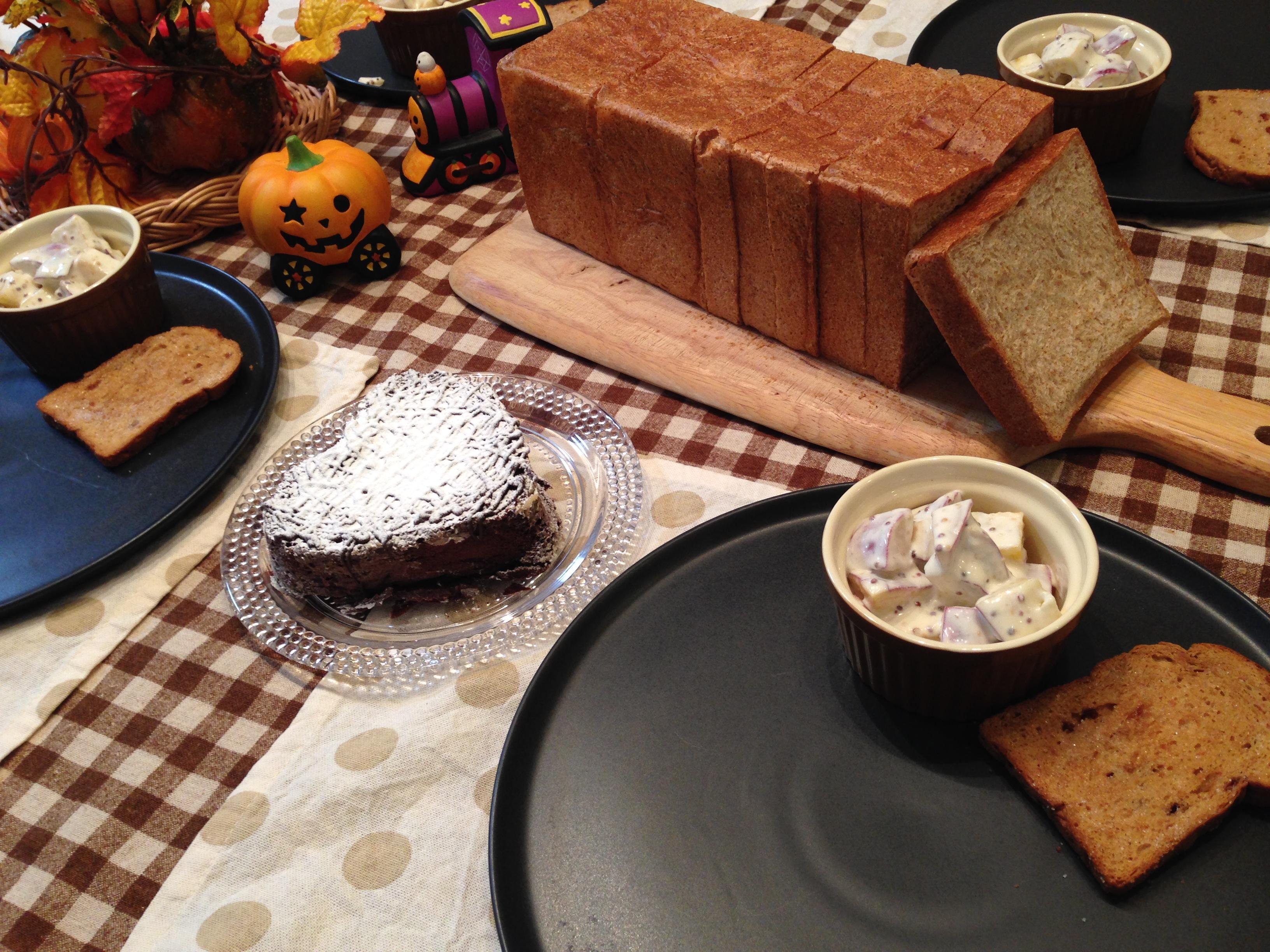 小麦胚芽角食パン&ごま山型食パン!!食パン秋祭りー。