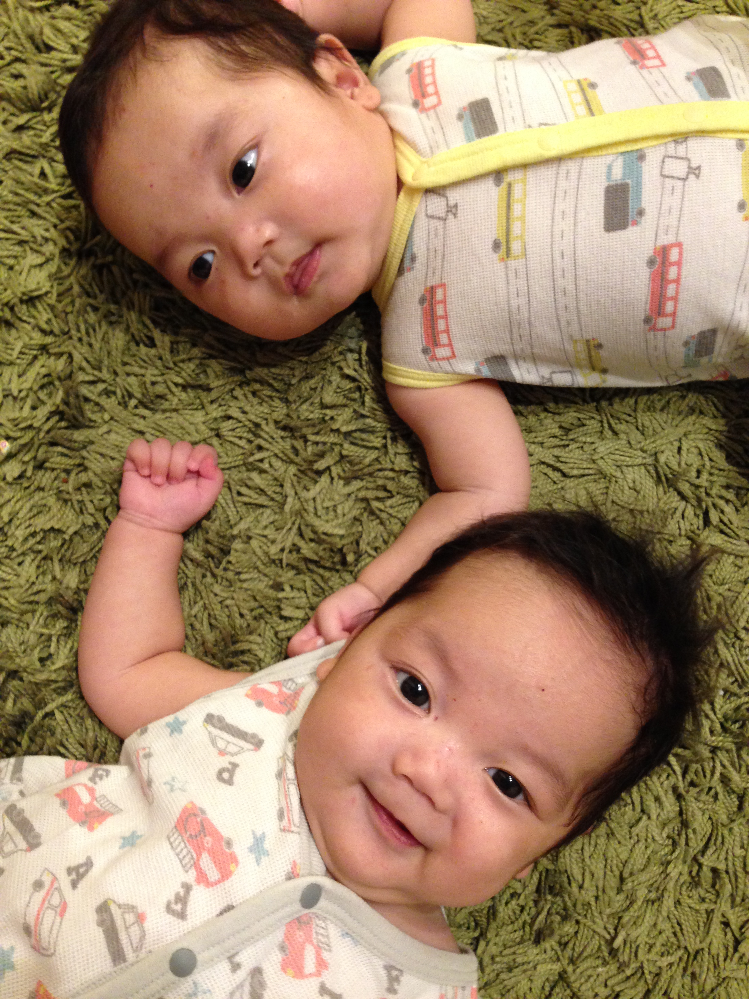 双子育児の1日。